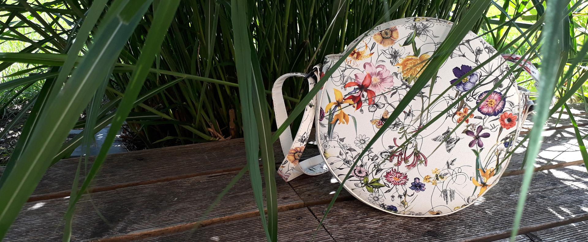 Kabelky a batohy kvetinové